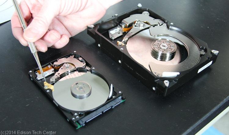 تحلیل اجزای داخل هارد دیسک